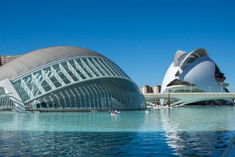 IMAX Kino und Oper in der Stadt der Wissenschat und Künste