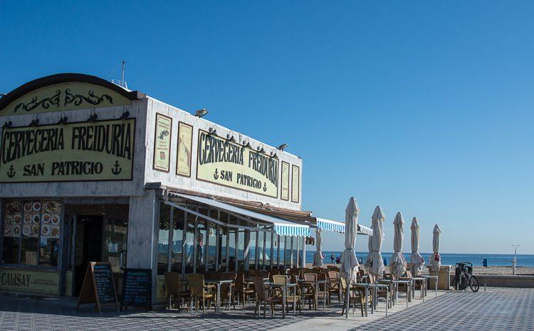 Strandrestaurant mit Meerblick