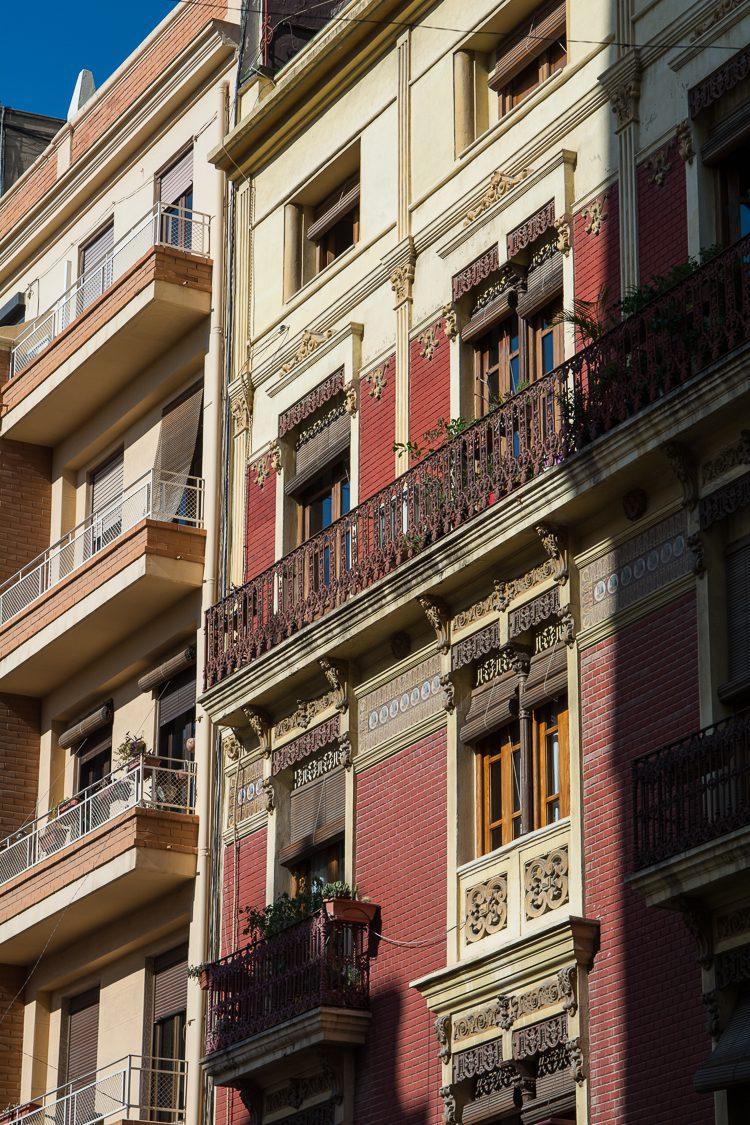 das Gebäude Echeveste am Torres de Quart