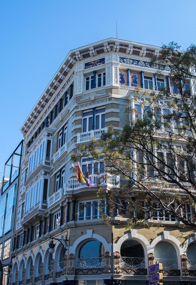Das Gebäude Monforte am Plaza del la Reina