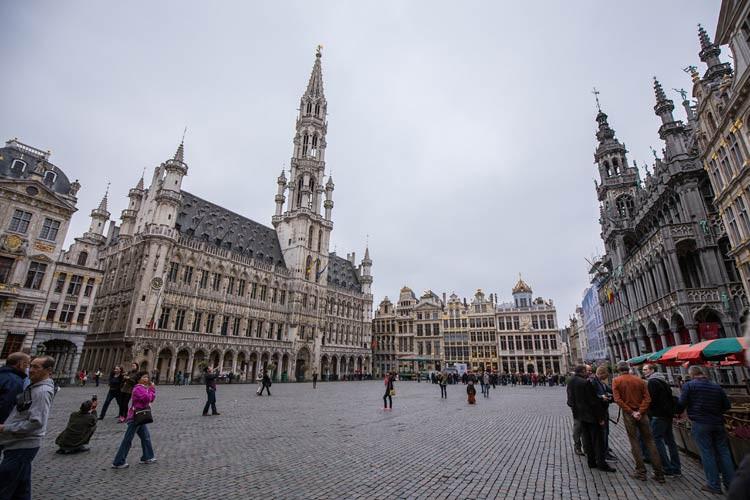 GoOnTravel.de: Der Grand-Place mit dem Brüsseler Rathaus