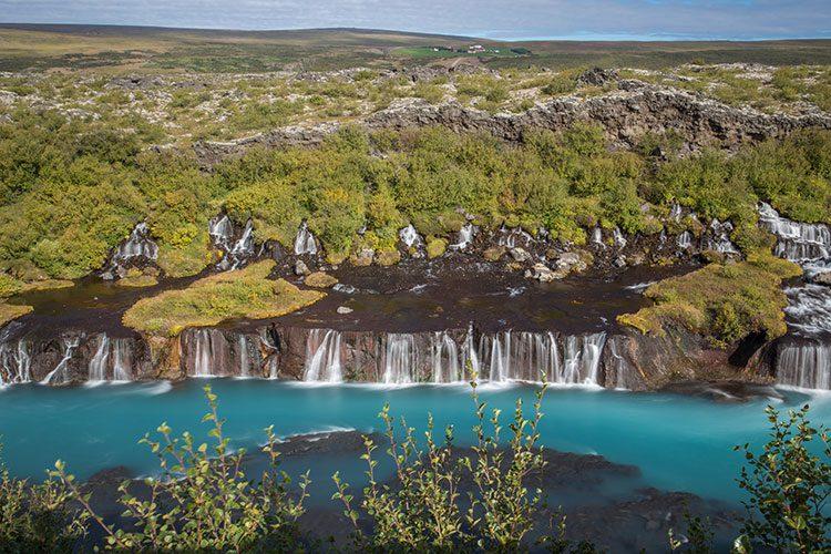 GoOnTravel.de: Der Hraunfossar im Westen auf Island
