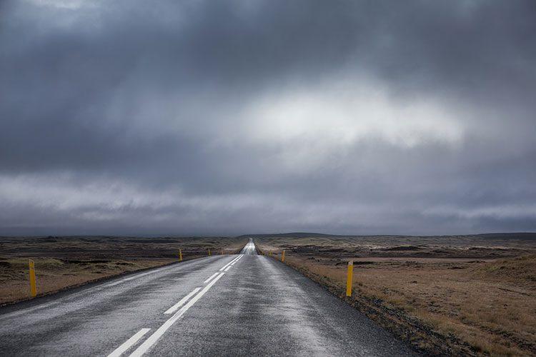 GoOnTravel.de: Oft einsame Straßen auf Island