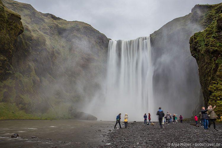 GoOnTravel.de: Der Skógafoss (Wasserfall) im Süden von Island
