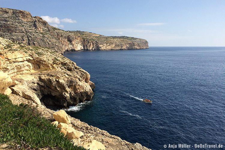 GoOnTravel.de: Die Blaue Grotte auf Malta lässt sich nur in einem Boot vom Wasser aus erkunden.