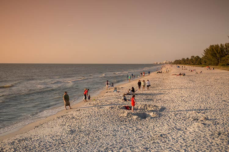 GoOnTravel.de: Naples Beach