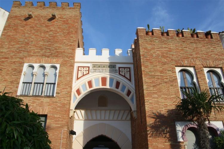 Stadt-Tor von Roc de Sant Gaietá