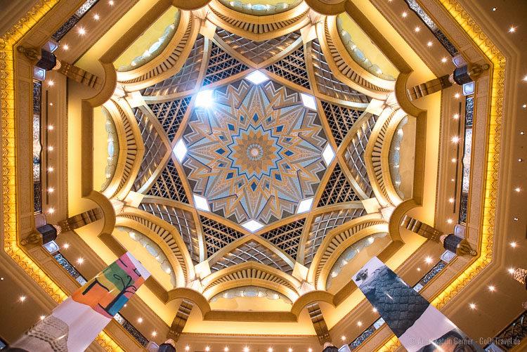 Decke im Emirates Palace