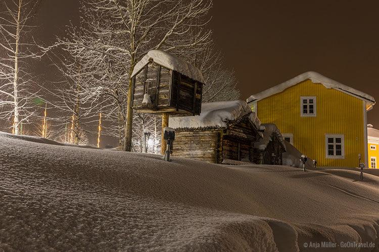 Schneelandschaft am Abend