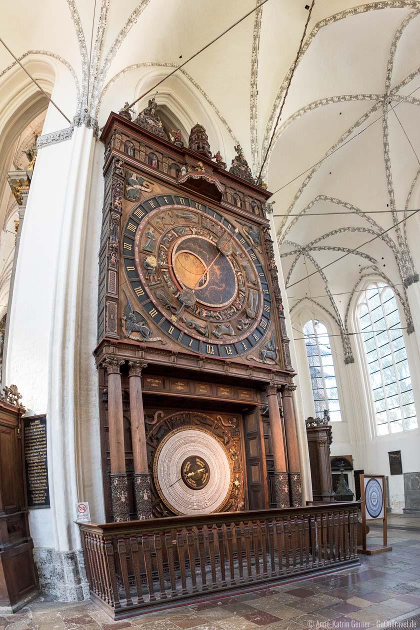 die astronomische Uhr in der St. Marienkiche