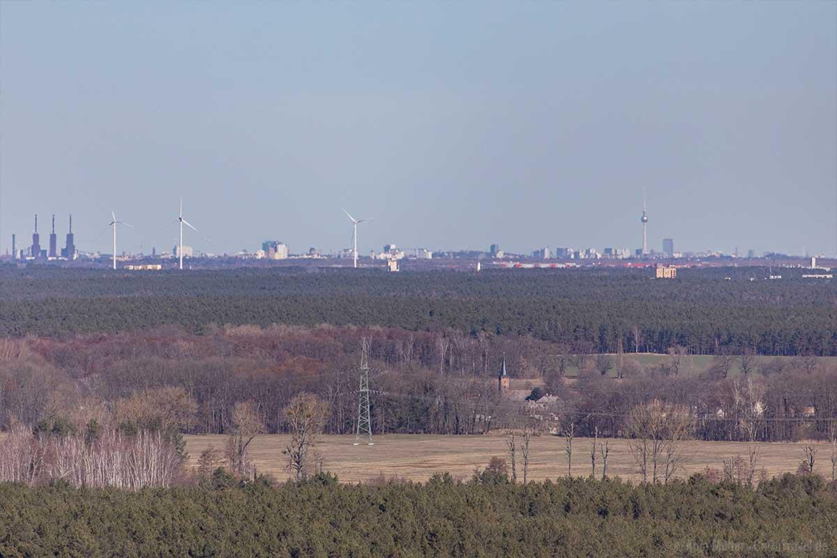 Am Horizont kann man deutlich den Berliner Fernsehturm erkennen.