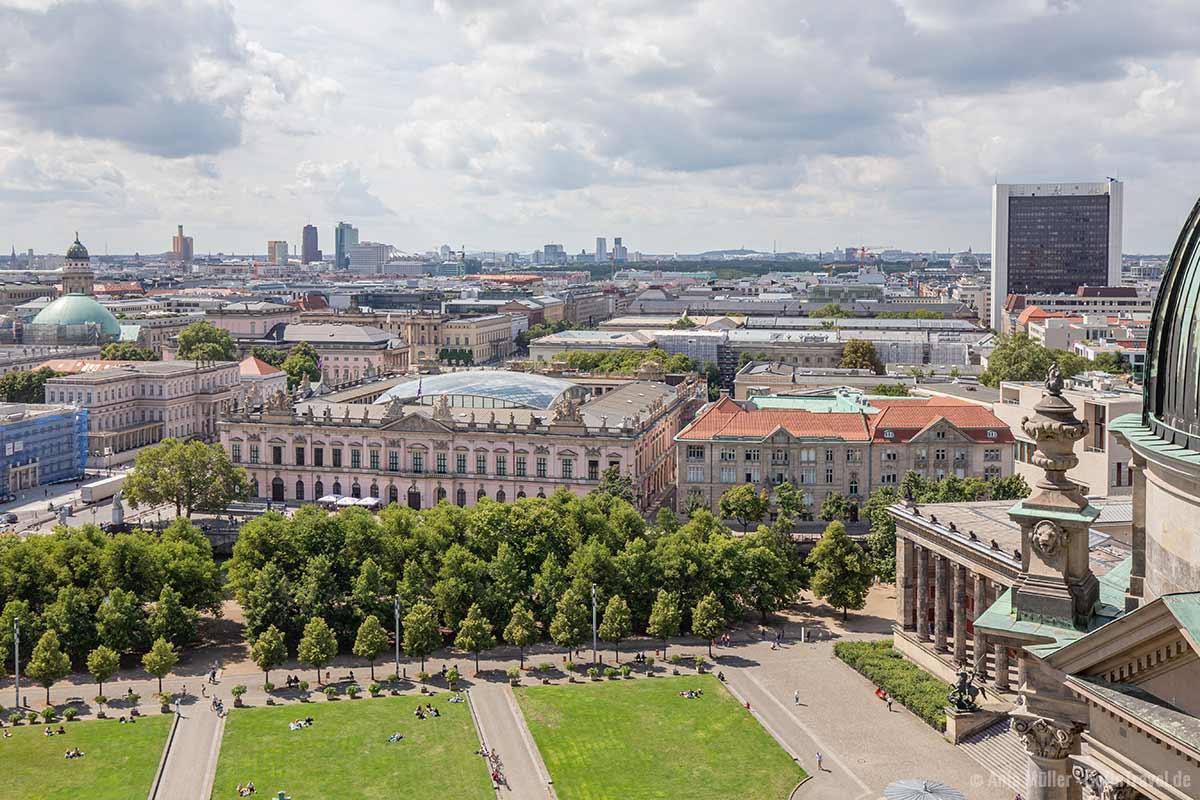 Der Lustgarten vor dem Berliner Dom