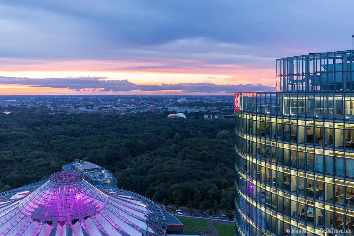 Sony Center und der Tiergarten vom Panoramapunkt