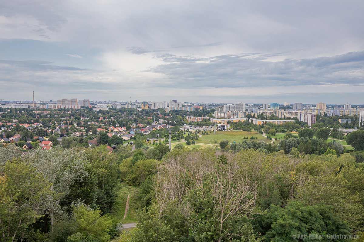 Blick auf die Seilbahn und Berlin