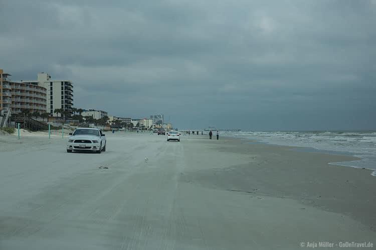 Autos am Strand von Daytona Beach