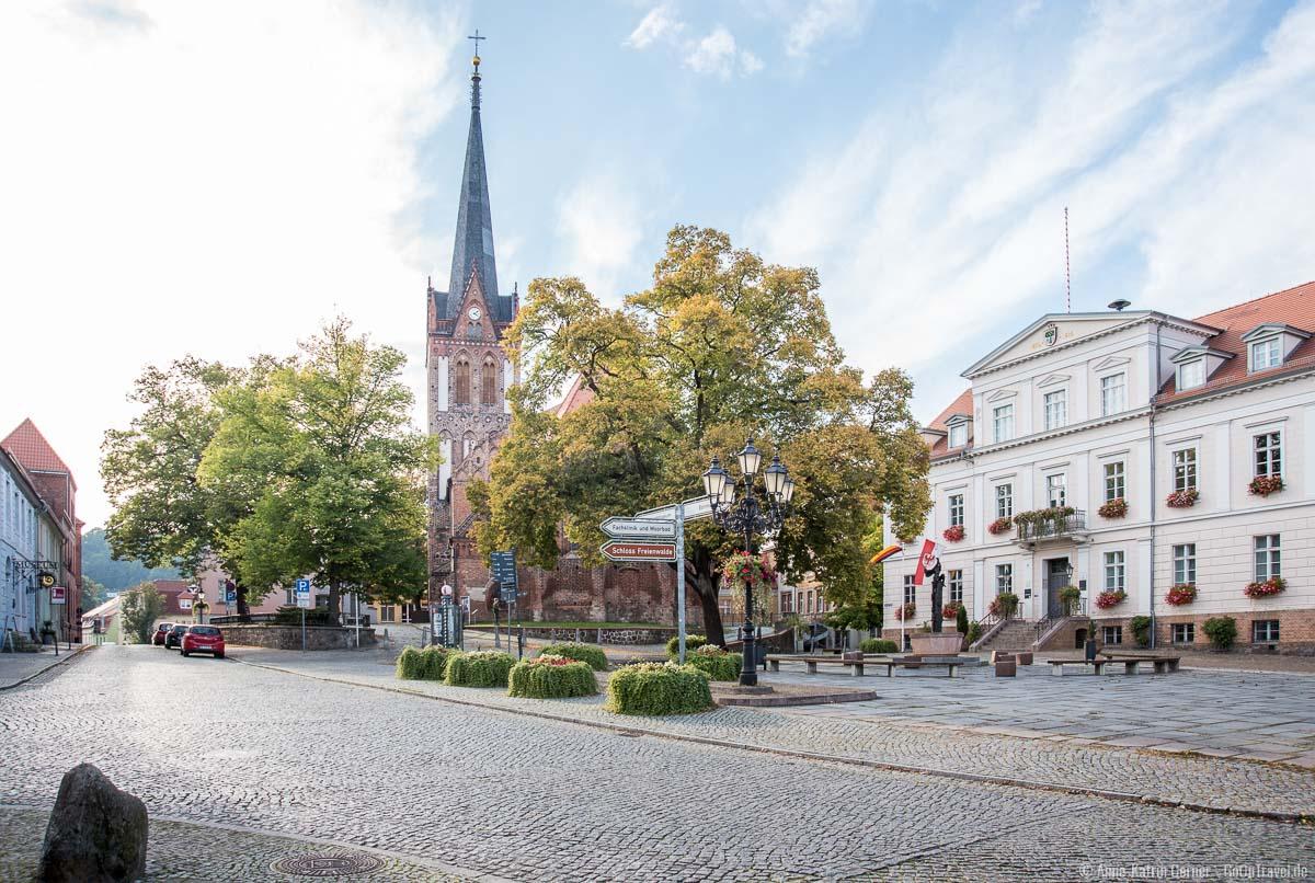 Im Stadtzentrum von Bad Freienwalde befindet sich die Tourist-Info