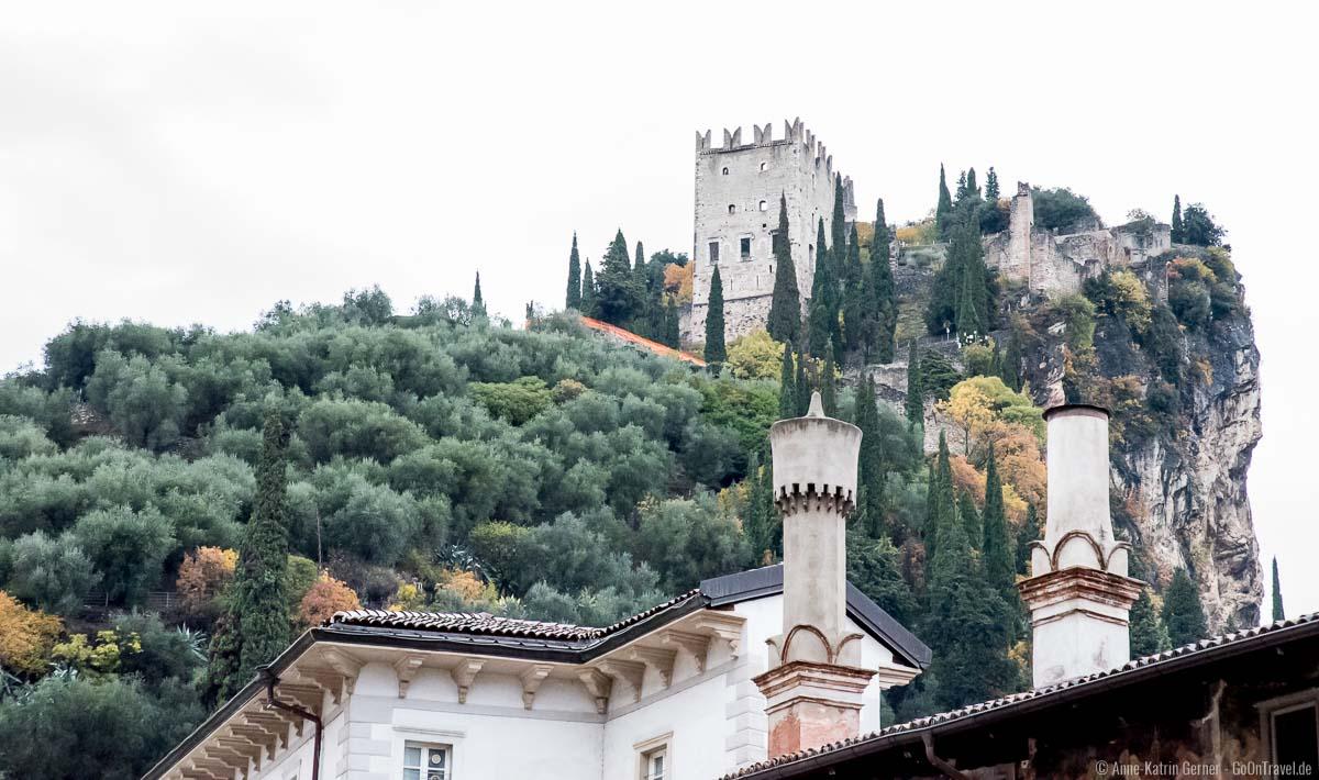 Blick auf die Burg von Arco