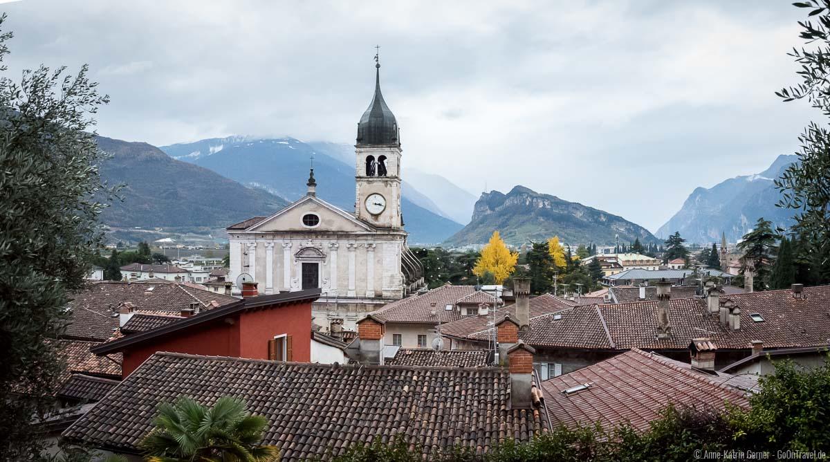 Blick auf Arco vom Wanderweg zur Burg