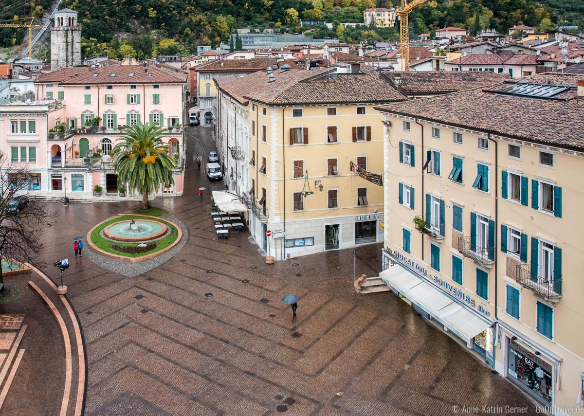 Riva del Garda bei Regen: Blick vom Grand Hotel Riva