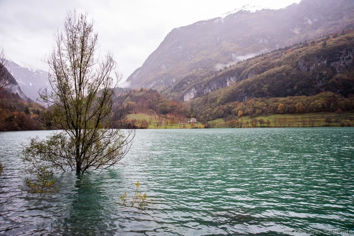 Bei Regen tritt der Tennosee über die Ufer