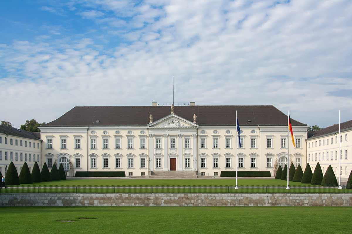 Das Schloss Bellevue ist der Amtssitz vom Bundespräsidenten