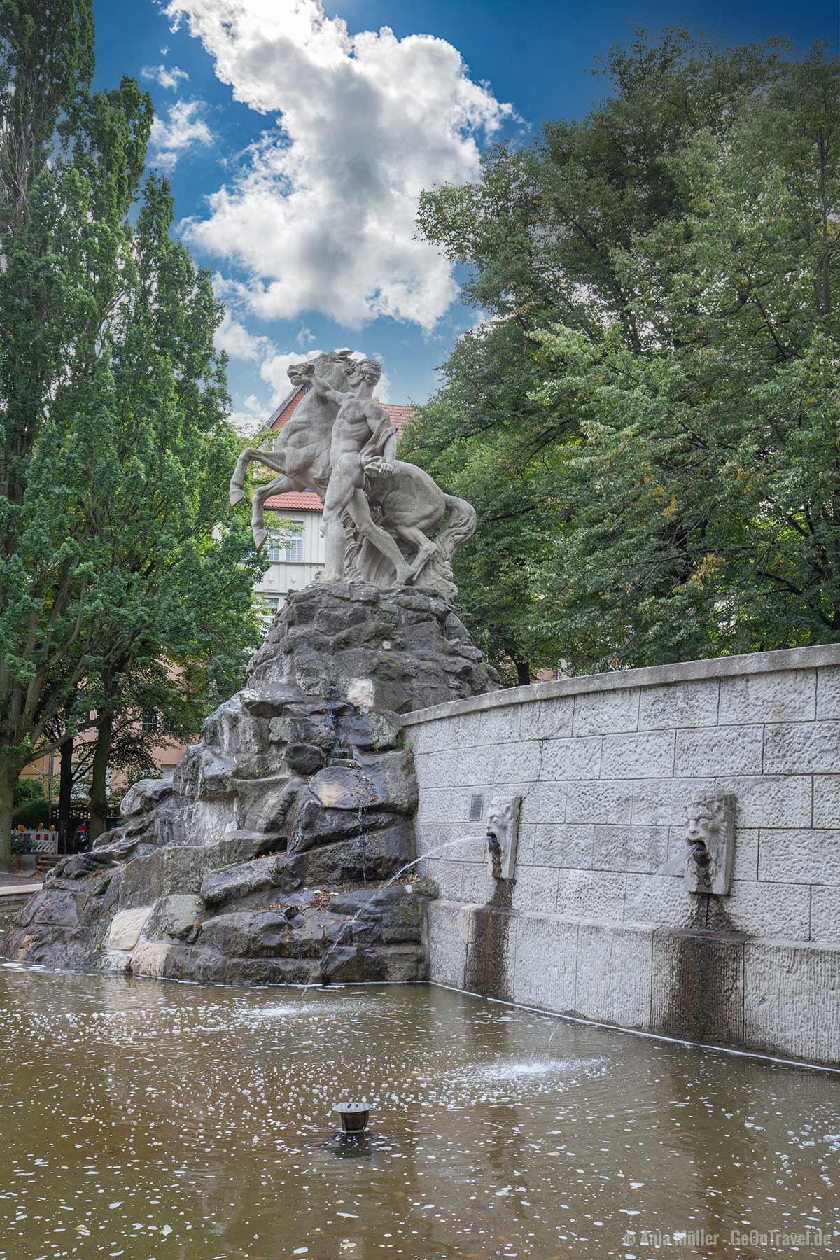 Siegfriedbrunnen am Rüdesheimer Platz