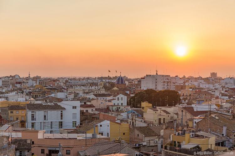 Valencia von oben zum Sonnenuntergang