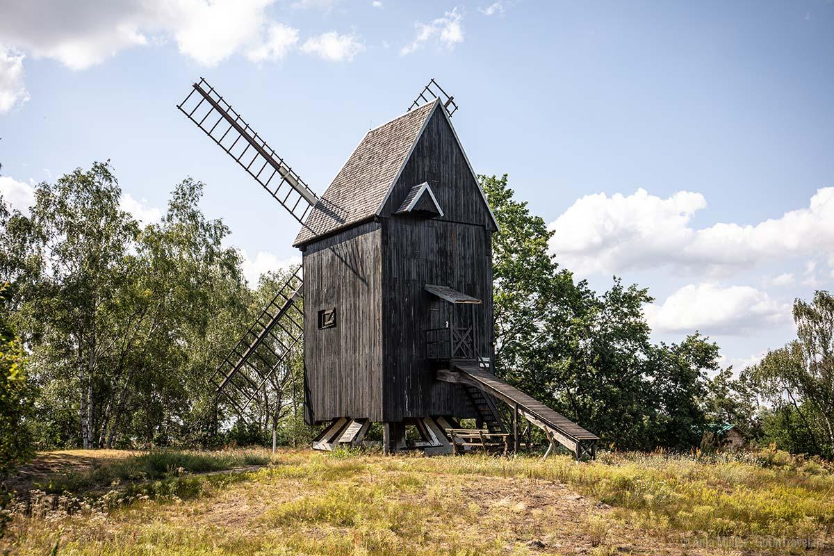Bockwindmühle Prietzen am Tag