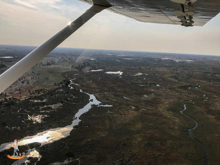 Flug über das Okavango Delta