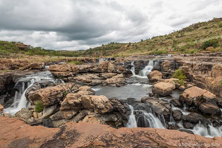 Überall kleiner Wasserfälle an den Bourke`s Luck Potholes