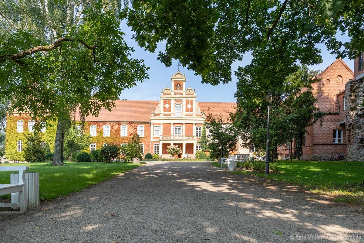 Im Schloss Meyenburg ist ein Modemuseum