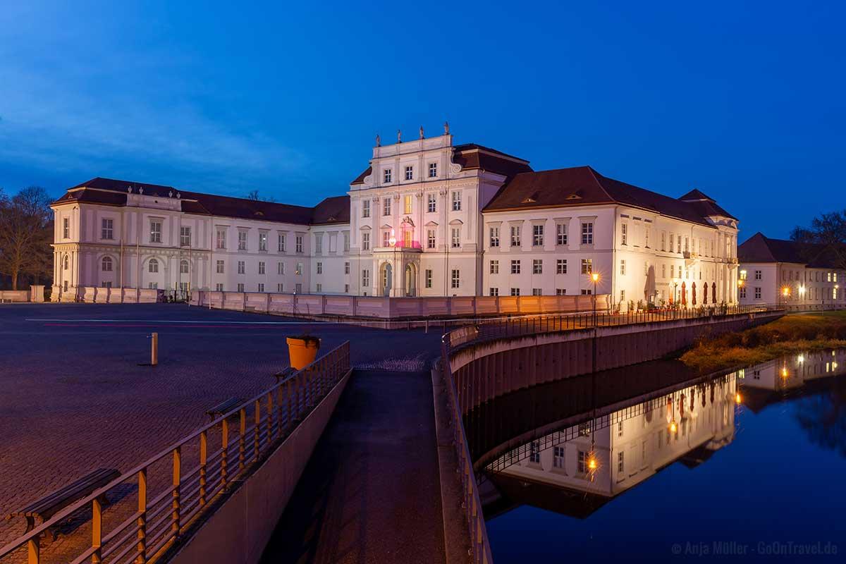 Schloss Oranienburg am Abend