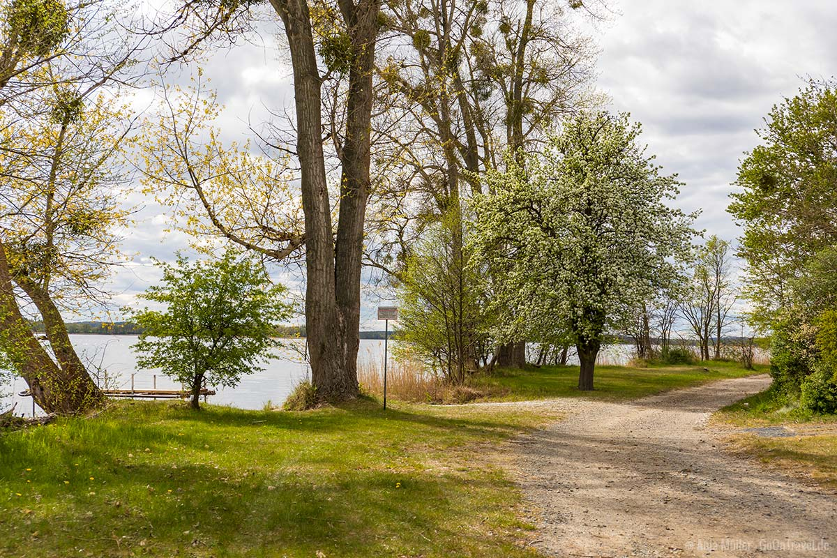 Uferweg entlang dem Parstein See