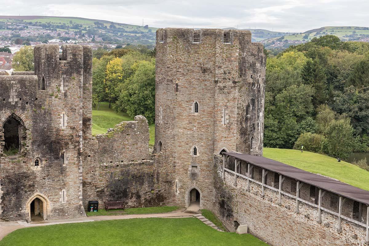 Blick vom Caerphilly Castle