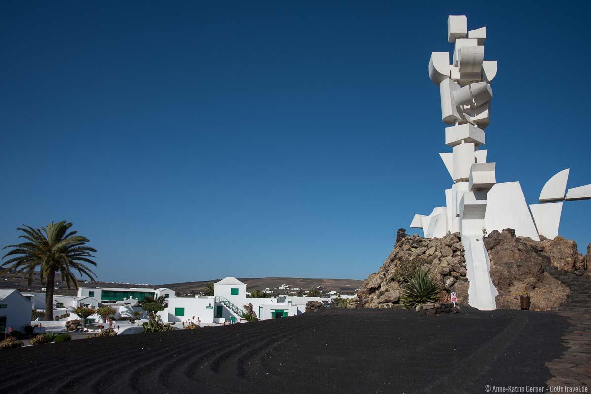 Das Monumento a la Fecundidad ist 15 m hoch und begehbar.