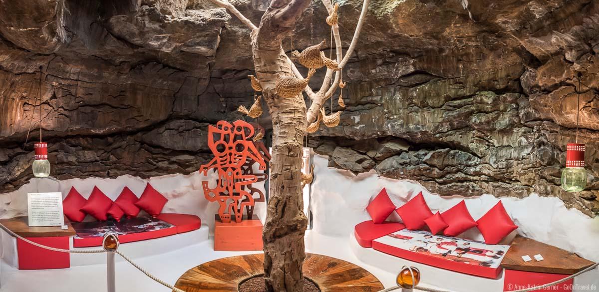 rote Lavablase mit Feigenbaum