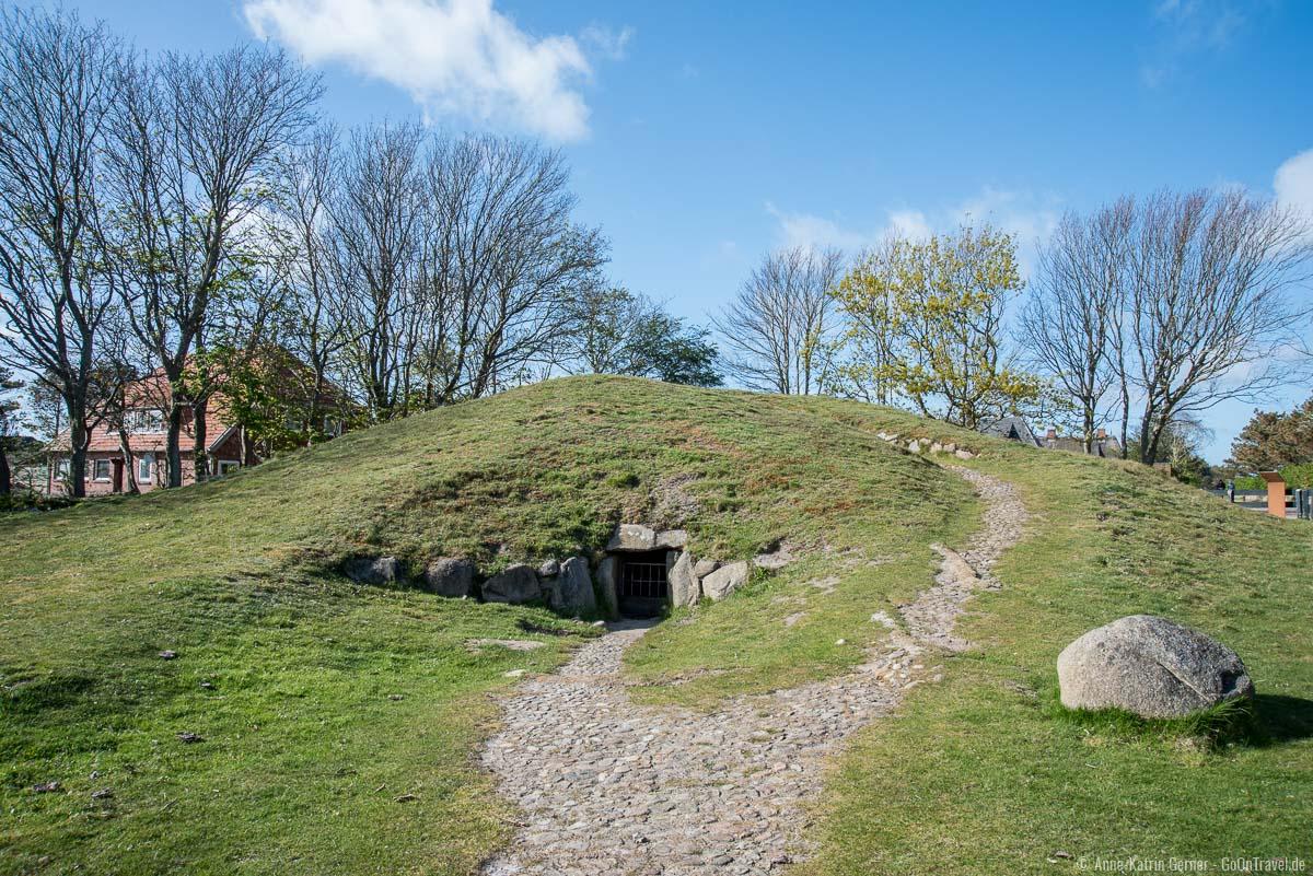 Steinzeitgrab Denghoog in Wenningstedt