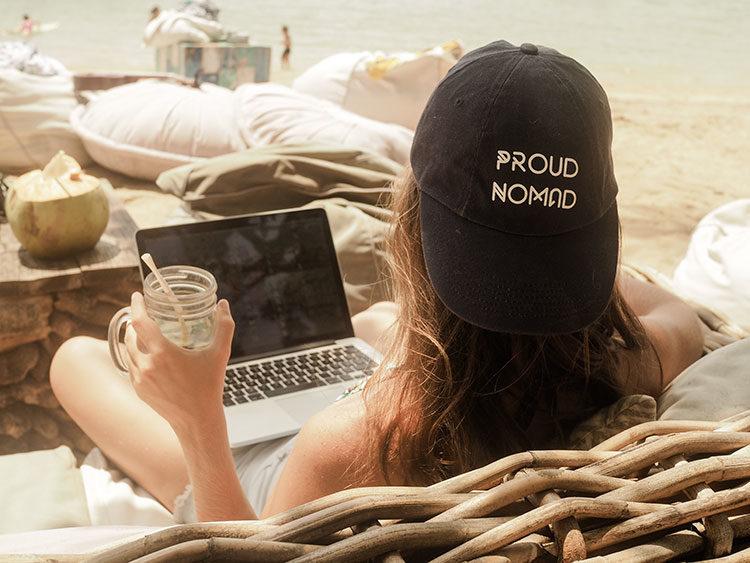 Barbara beim Arbeiten auf Bali