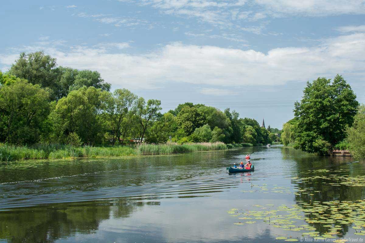 Der Finowkanal lässt sich gut mit Kanu erkunden