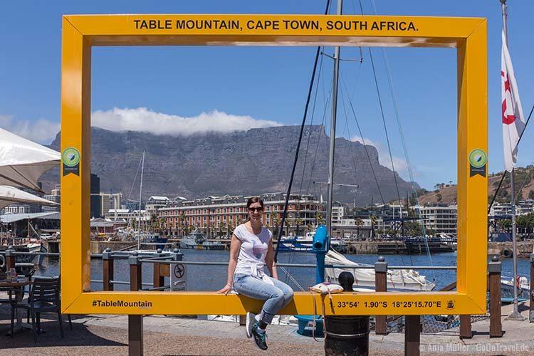 Der gelbe Fotorahmen an der Waterront von Kapstadt