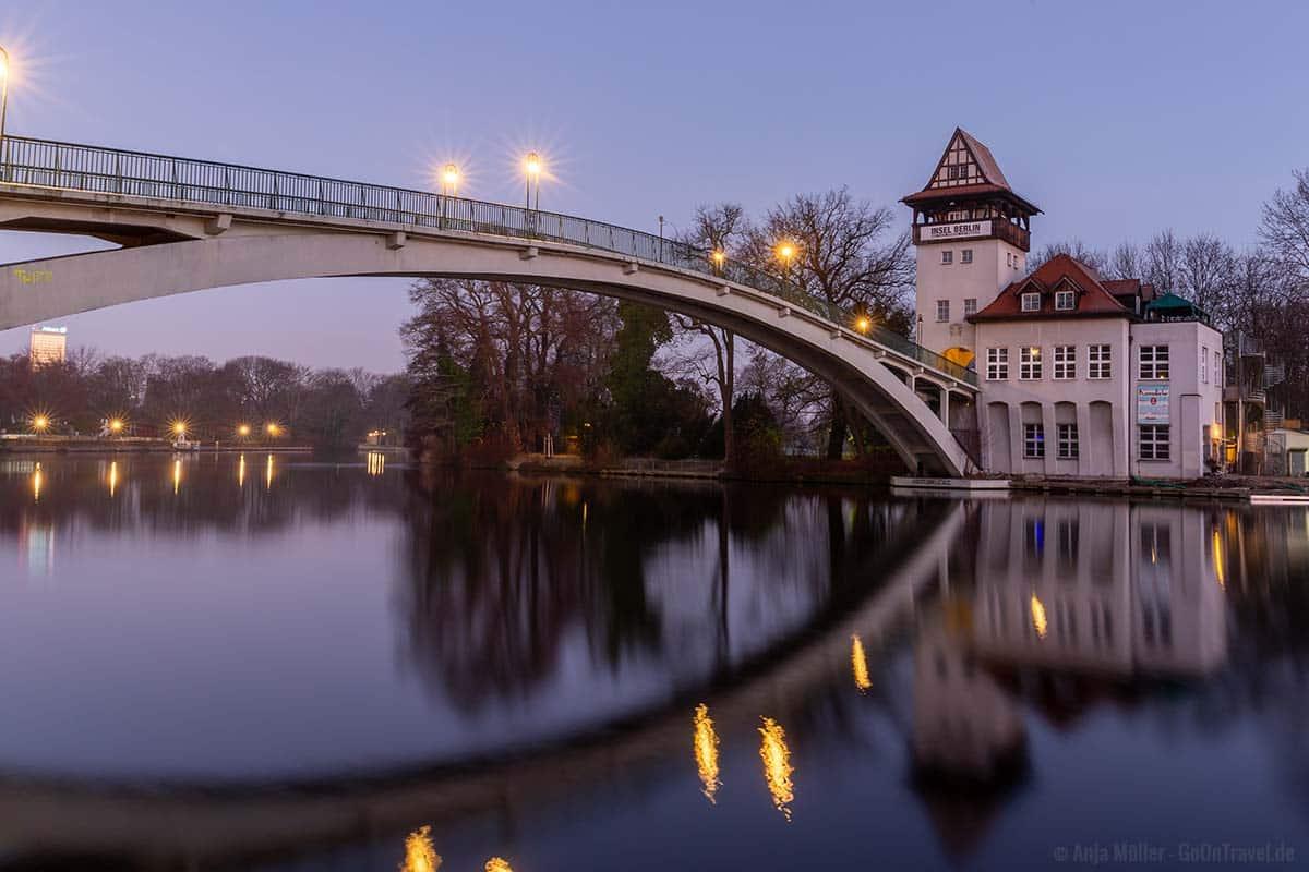 Abteibrücke in der Blauen Stunde am Morgen