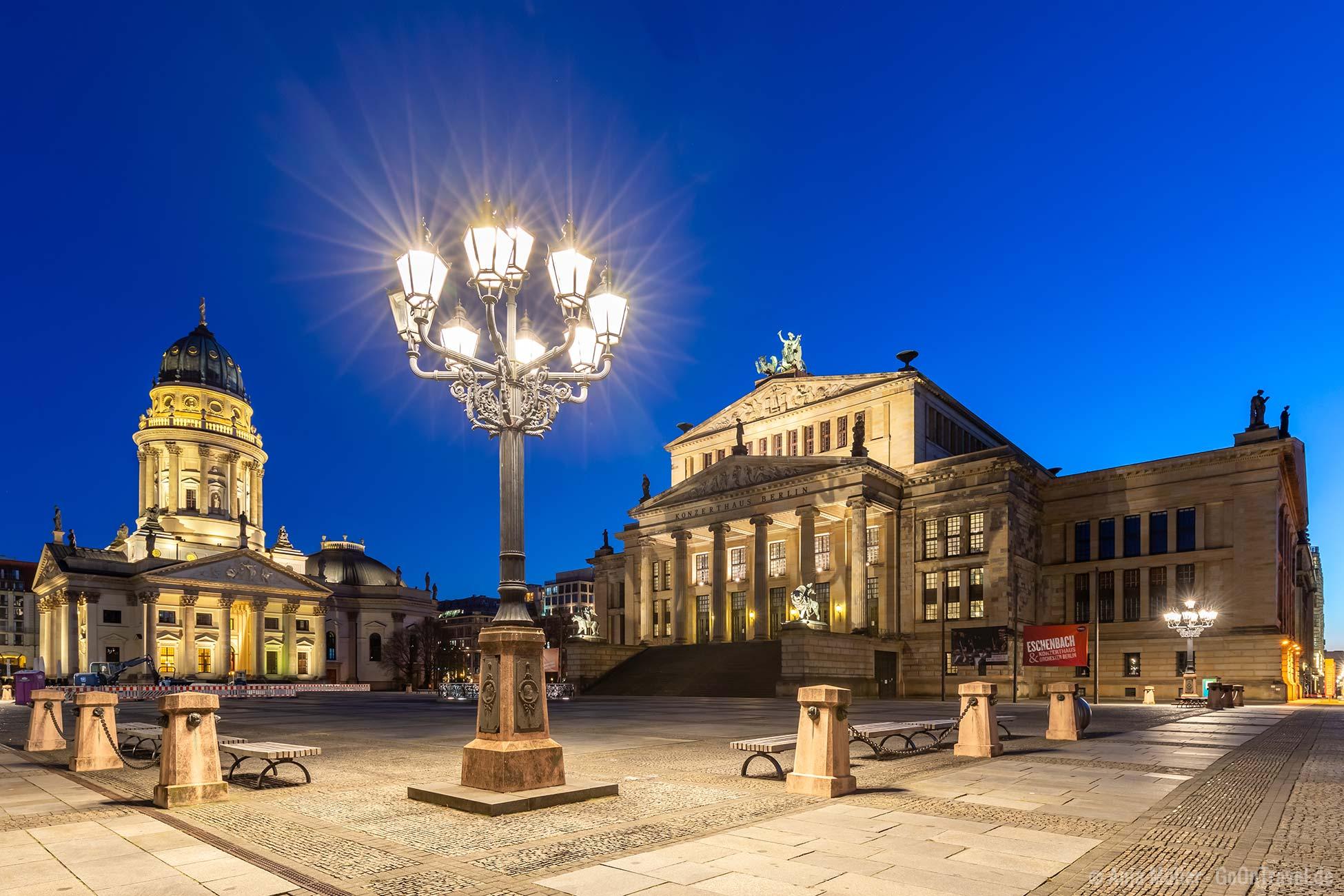 Berlin bei Nacht: Gendarmenmarkt