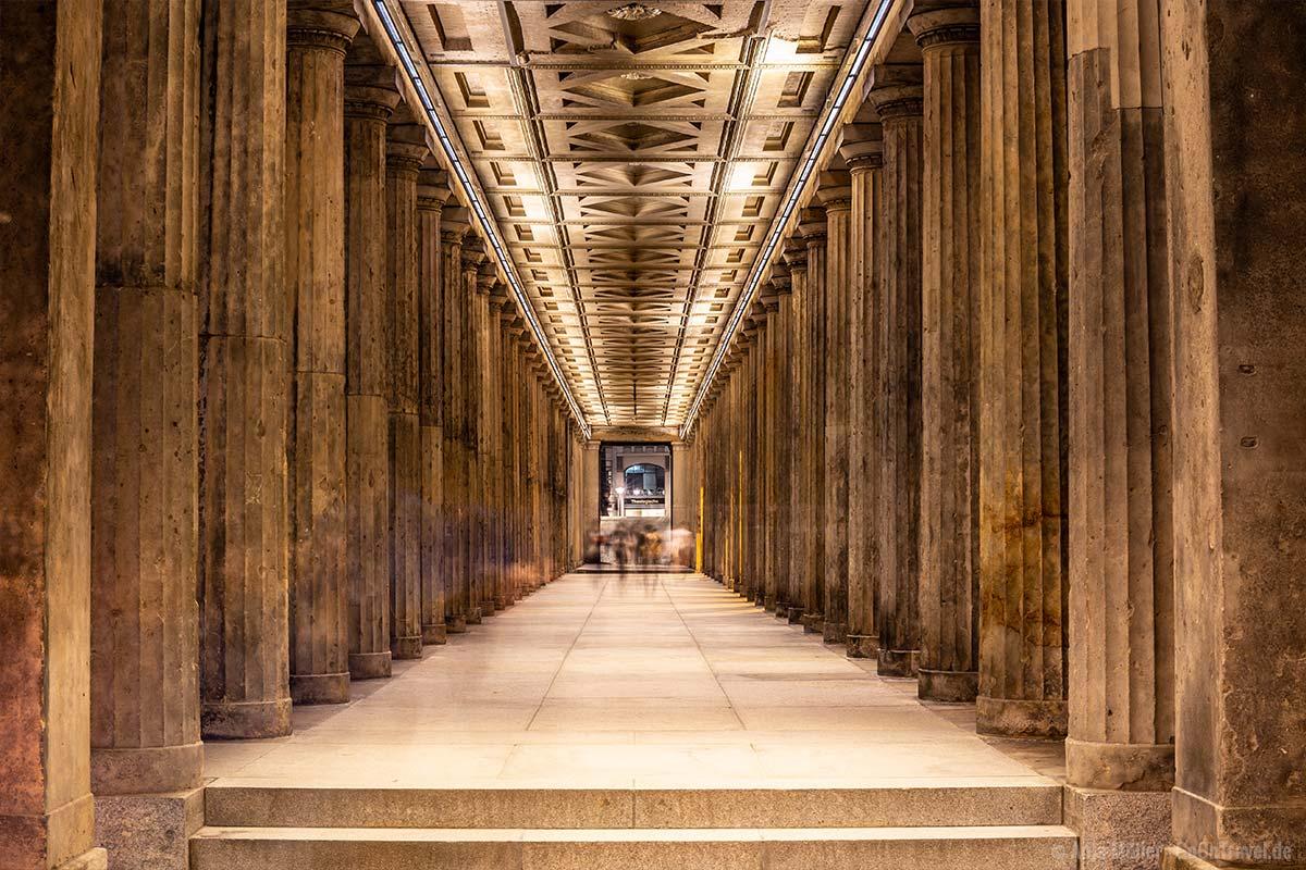 Säulengang bei der Alten Nationalgalerie