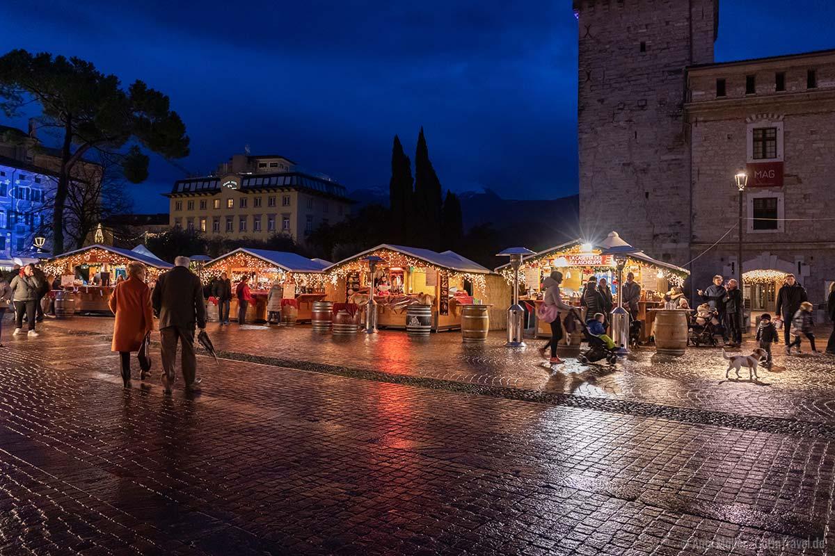 Weihnachten am Gardasee, der Weihnachtsmarkt in Riva del Garda