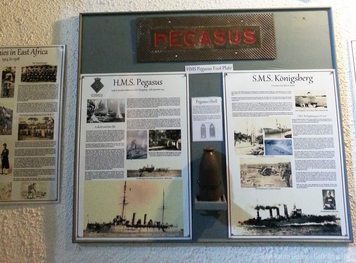 Schautafeln zum Ersten Weltkrieg in der Lobby der Taita Hills Lodge