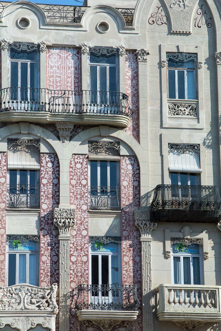 das Haus Punt de Ganxo am Platz La Almoina