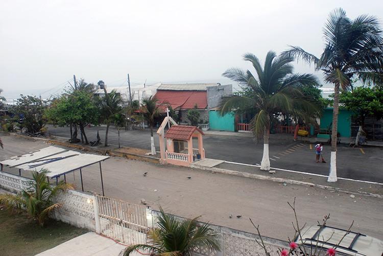 Aufwachen im verschlafenem Örtchen Las Chachalacas