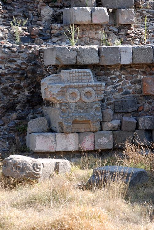 Skulptur am Tempel des Quetzalcóatl