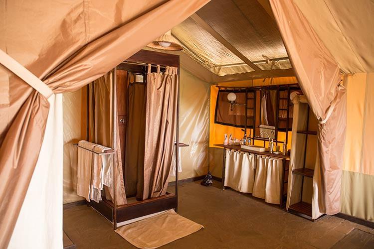 Das Bad im Zelt