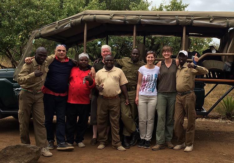 Mit dem Team des Kilima Camps